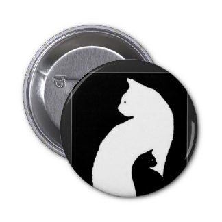 grand_blanc_chat_petit_noir_chat_badge-r989d53bd953e4d38a58378ecc91b59c8_x7j3i_8byvr_324