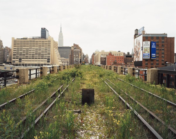 Walking_the_Highline_railroad_artifact_Presse