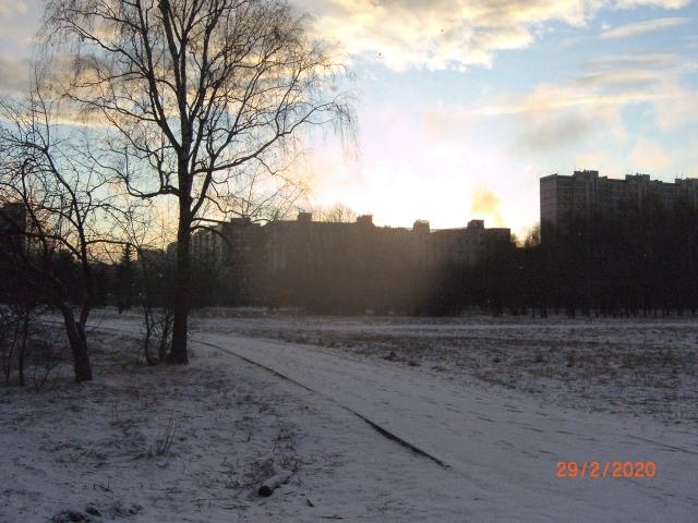 Закат над улицей Исаковского
