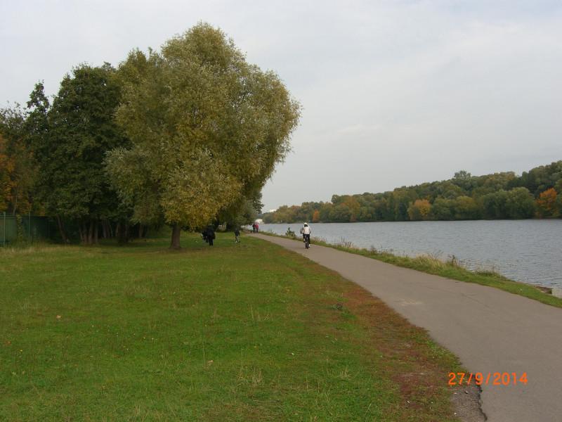 На берегу Москвы-реки. Троице-Лыково