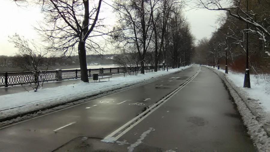 Набережная Ленинских гор. На пути от Воробьёвского шоссе к смотровой площадке