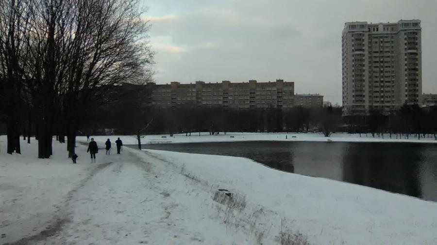 Пруд у Дворца пионеров на Ленинских горах