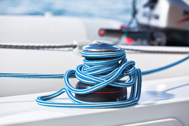 dvoevnore.com: Канатная бухта на яхте. Yacht rope bunch