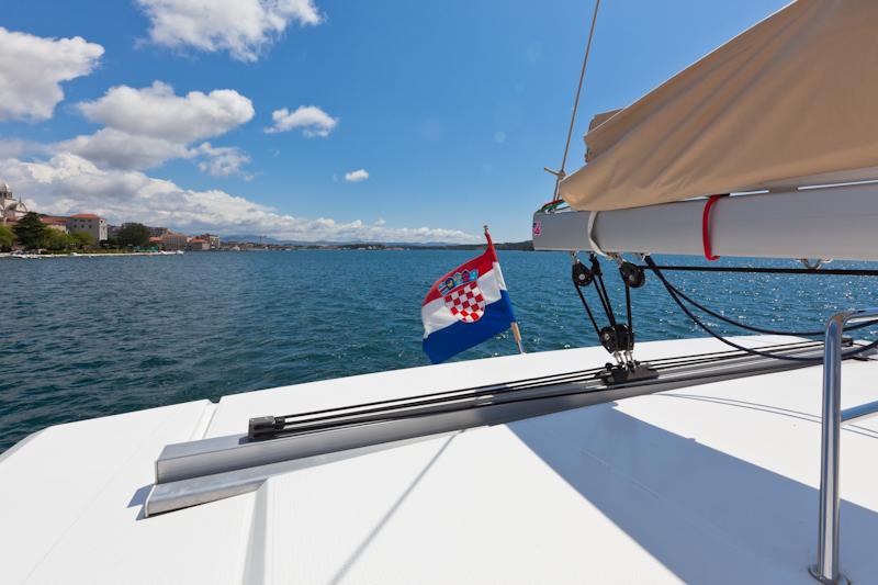 dvoevnore.com: Вид с борта плывущей яхты. View from a sailing yach