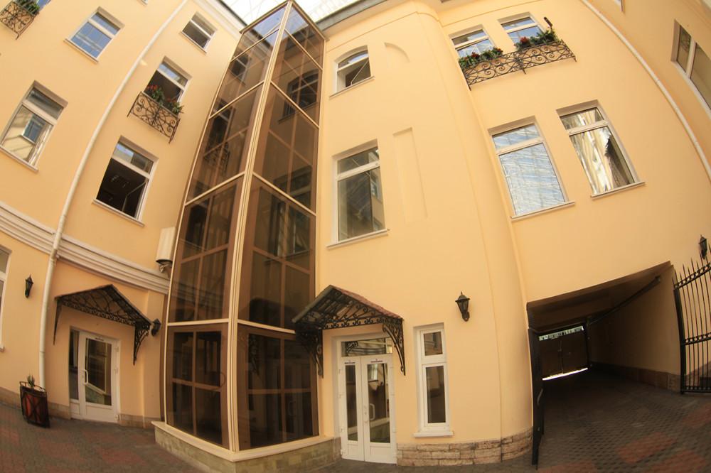 Дом москвы, благоустройство двора