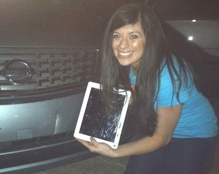 ipad_stuck_in_car_bumper_06