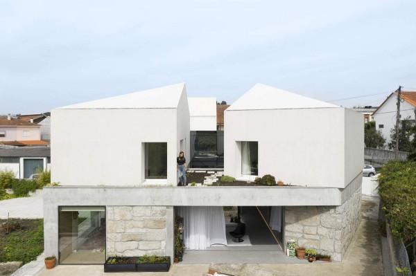 Превращение старого фермерского дома в современную резиденцию в Португалии