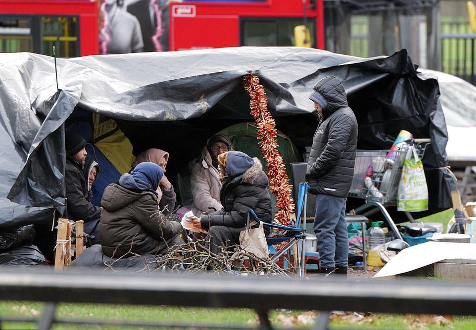Деревня бездомных в центре Лондона