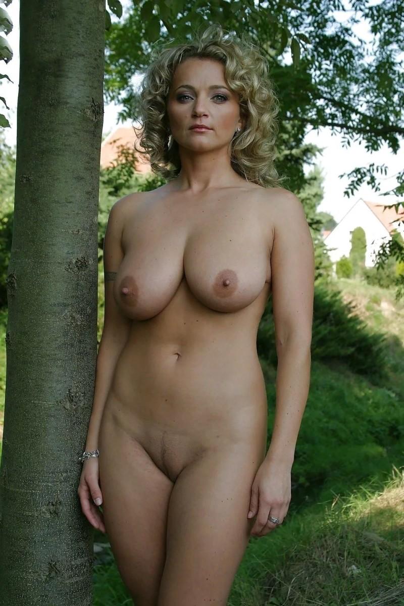 Фото голых дам бесплатно