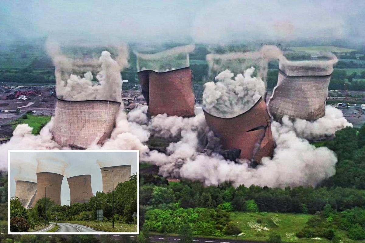 Огромные градирни на угольной электростанции Rugeley 1950-х годов превратились в щебень за 5 секунд