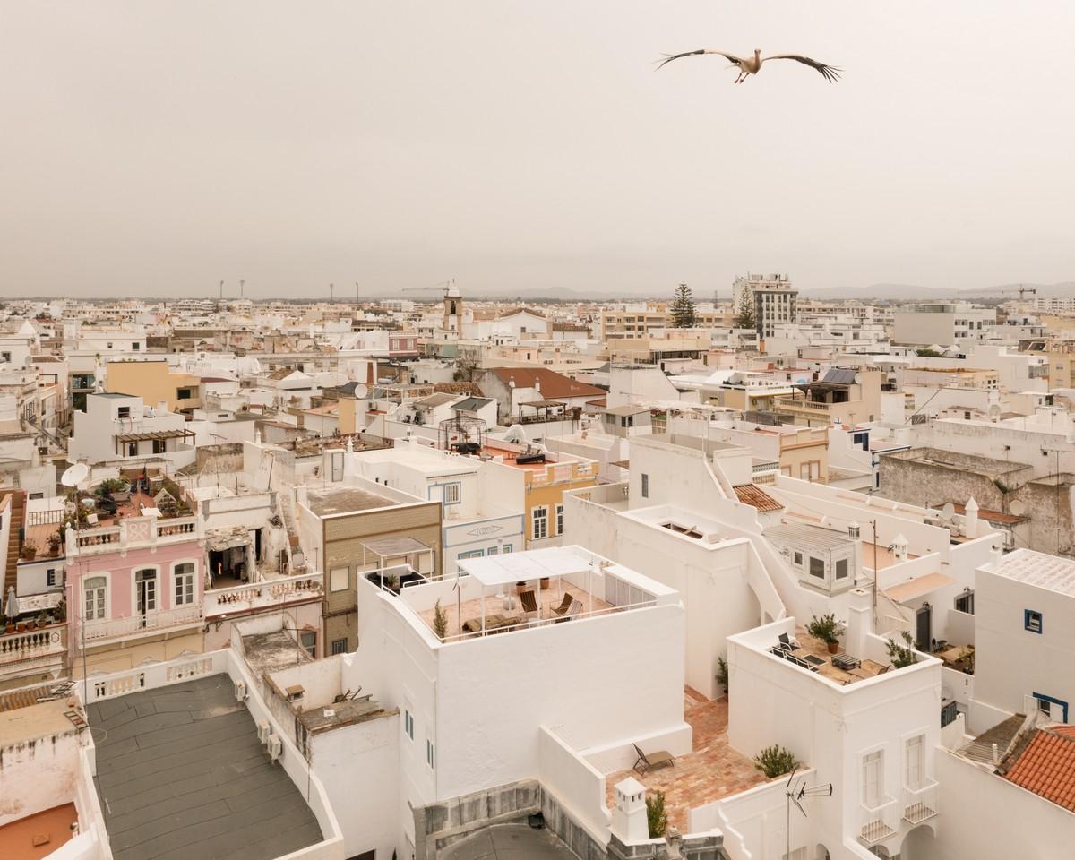 Преобразование старого склада в современную резиденцию в Португалии