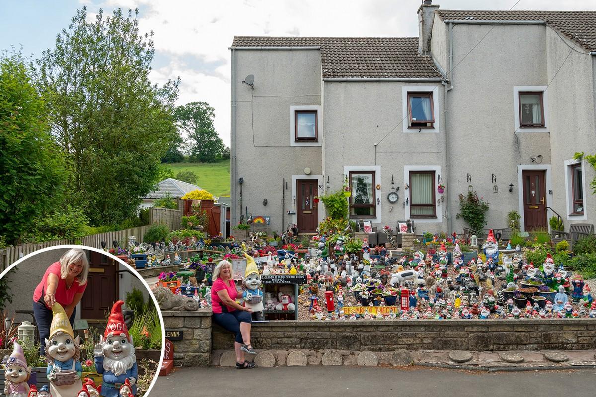 Жительница шотландского городка заполнила палисадник гномами, которых она собирает 30 лет