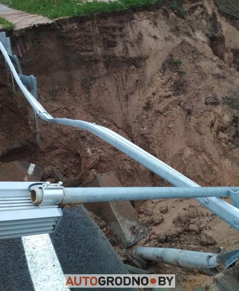 В Гродно снова потоп: смыло часть нового, еще не открытого моста