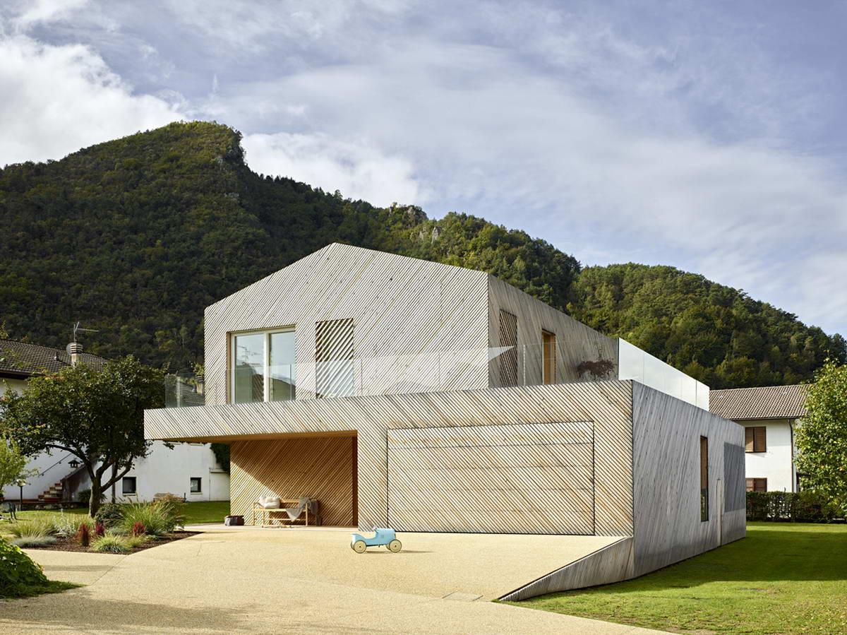 Простой и элегантный дом для молодой семьи в Италии