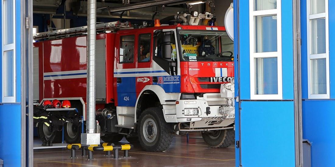 Самые крутые пожарные машины страны в одном месте: изучаем аэродромники Нацаэропорта Минск