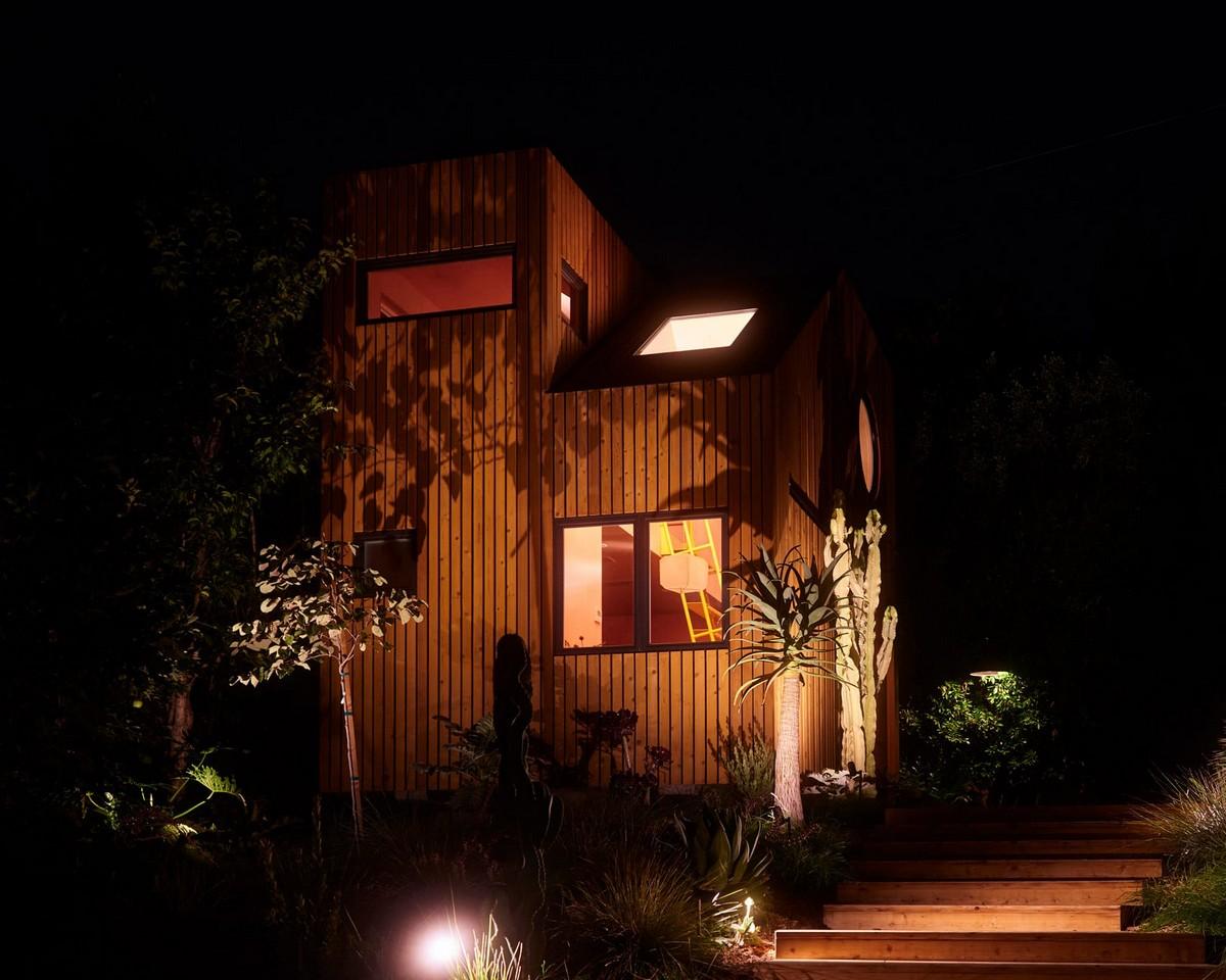 Гостевой дом для отдыха и работы на склоне холма в районе Лос-Анджелеса