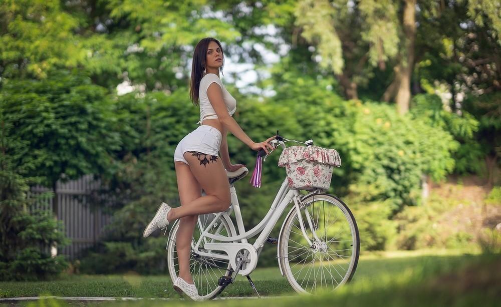 Сексуальные велосипедистки 28.07.21