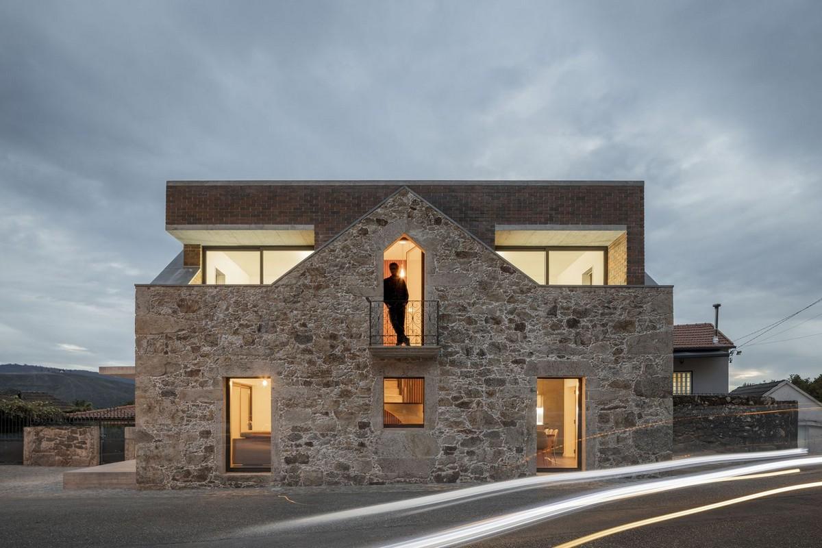 Кирпич в камне: реконструкция дома в португальской деревне