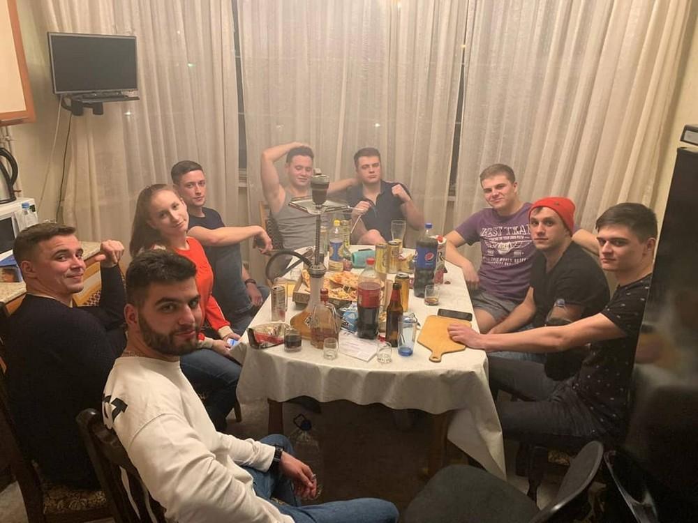 Забавы молодых: пьянки, гулянки, вписки (06.08.21)