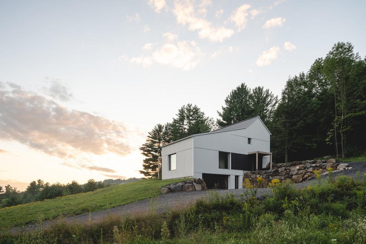 Пассивный дом на окраине заповедного леса в Канаде