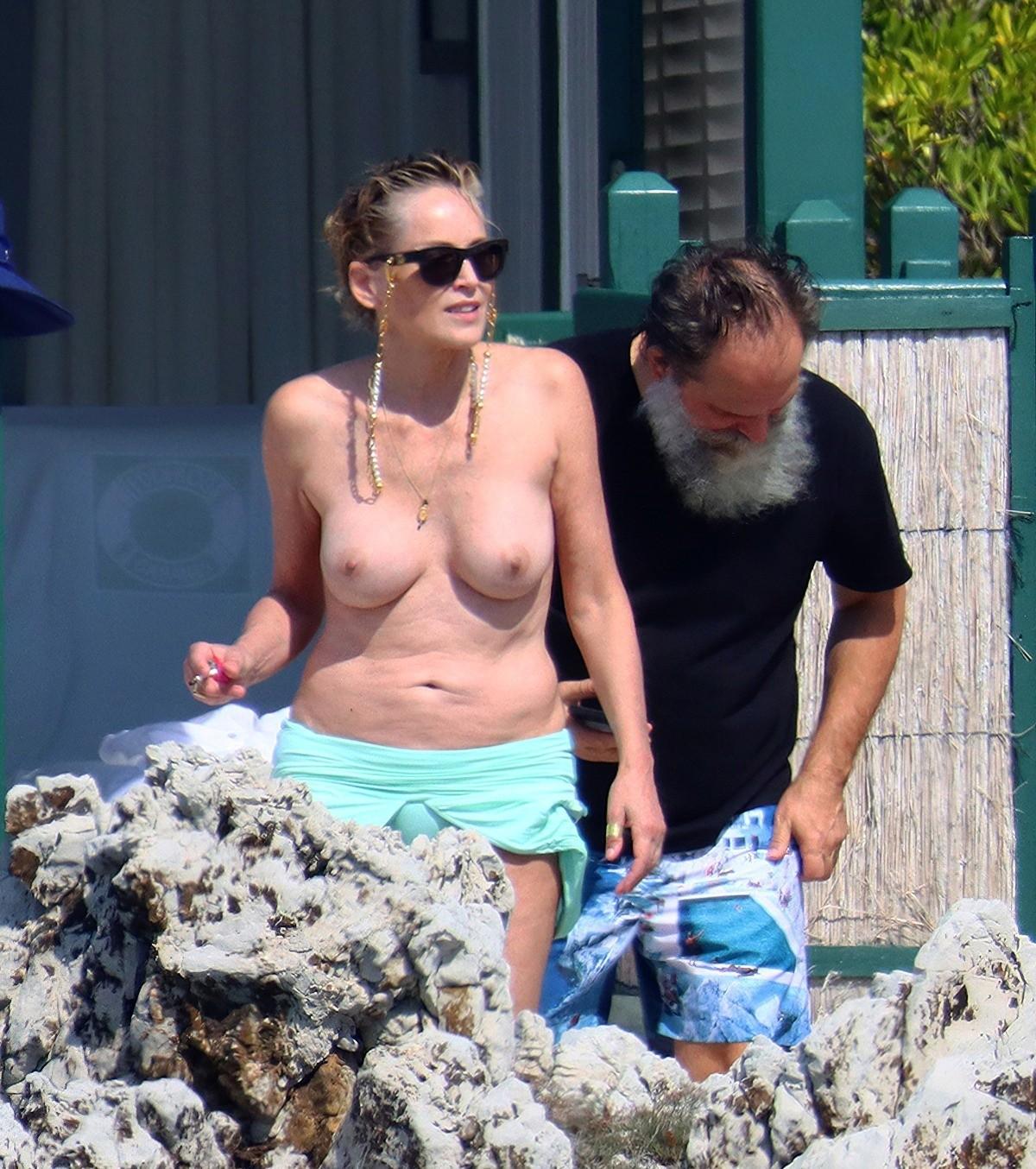 Шэрон Стоун показала грудь во Франции