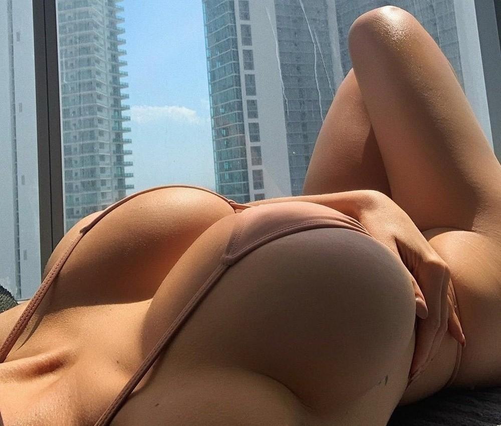 Sideboobs: грудь сбоку 17.10.21