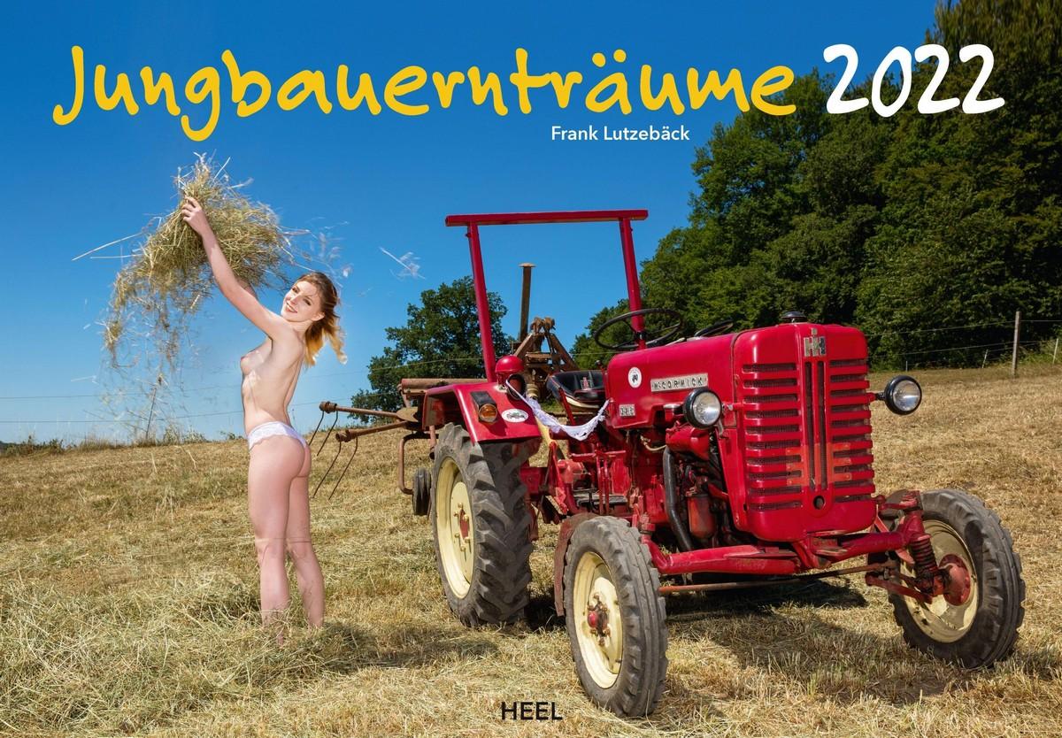"""Молодые фермерши и трактора в календаре """"Jungbauerntraume 2022"""""""