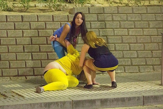 1364504127_drunk_students_03