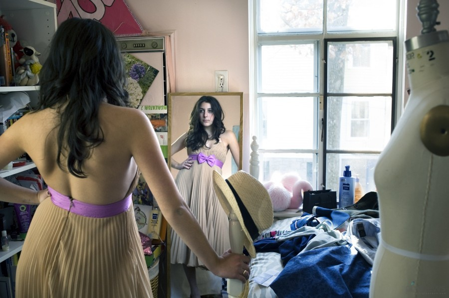 A_girl_and_her_room-3