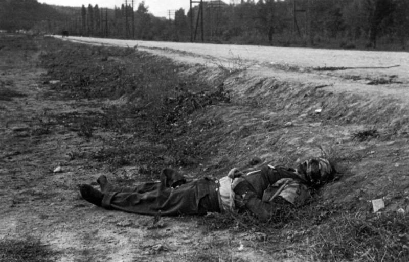 Погинули немачки војник на прилазу Београду.