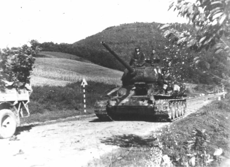 Совјетска војска на прилазу Београду.