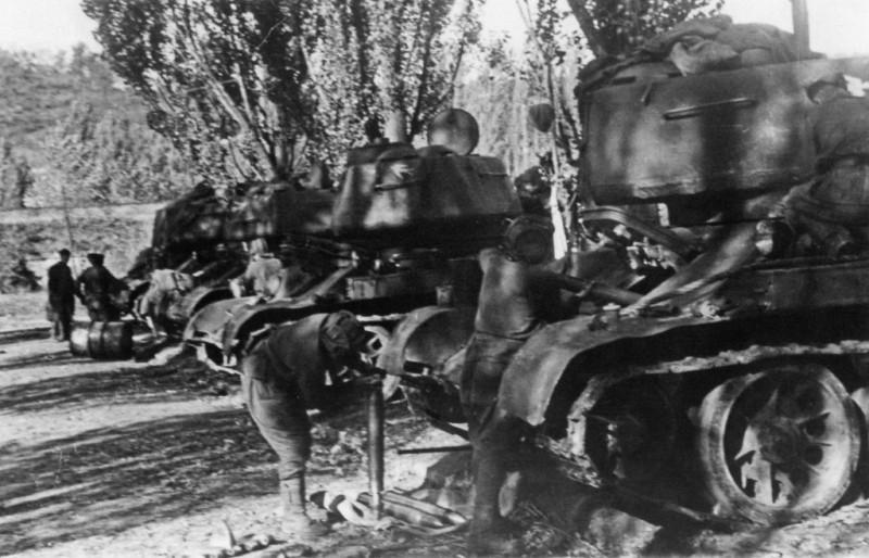 Припрема совјетске тенковске јединице.