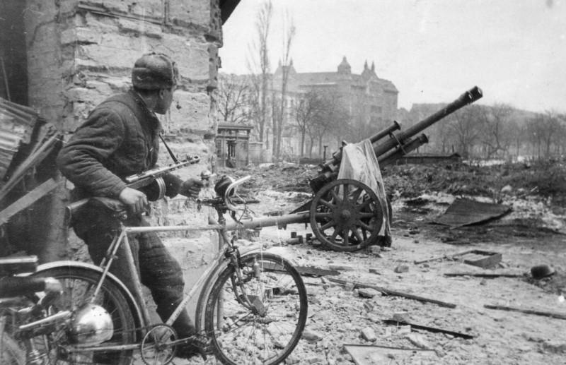 Совјетски бициклиста.