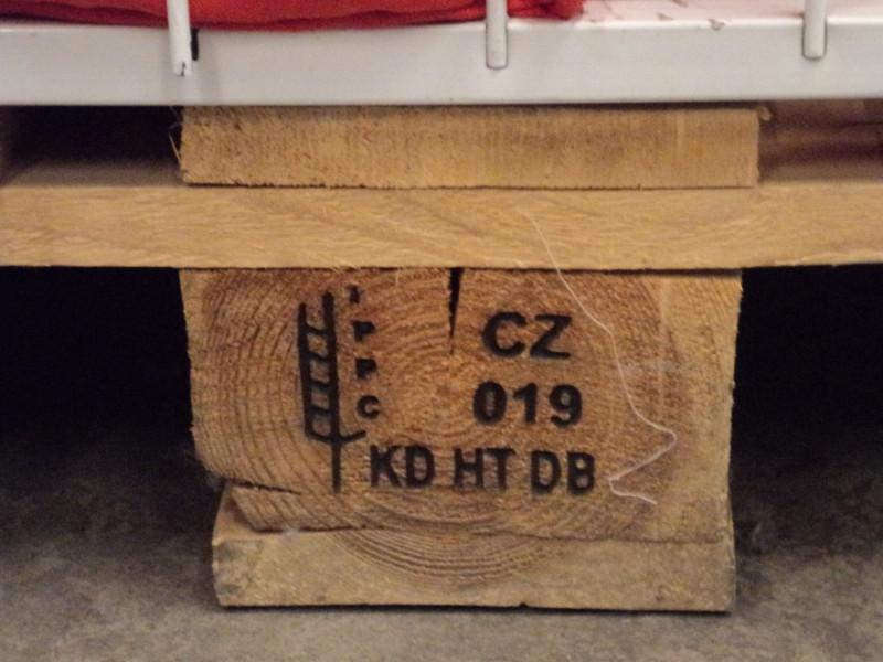 Пример ознаке на средишњем блоку палете.