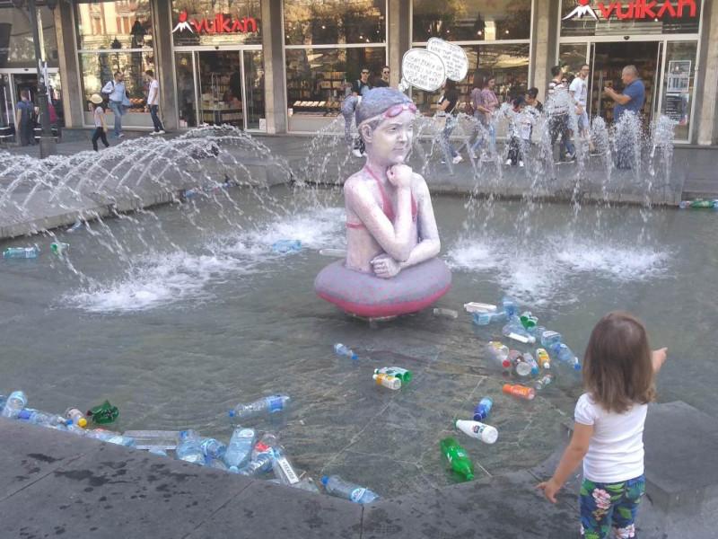 """""""Хммм...нисам знала да одрасли на ово мисле када кажу флаширана вода"""""""