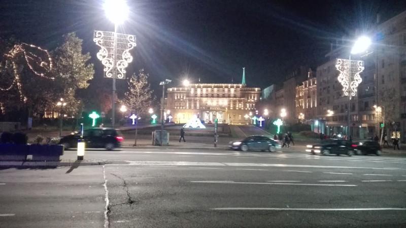 Поглед на Двор, сада Градска скупштина.
