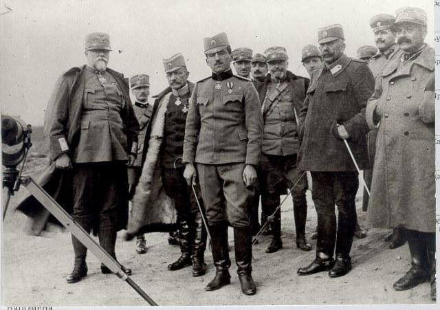 Регент Александар са командантима српске војске.
