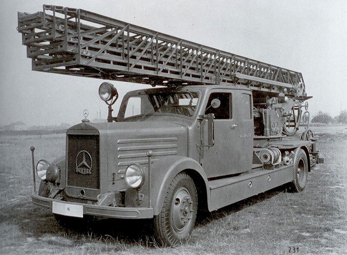 Вермахтов ватрогасни камион Мерцедес Бенц L3750