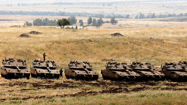 Тенкови и оклопна возила?
