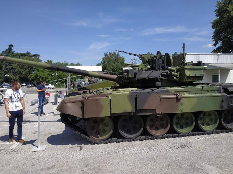 М-84АБ1