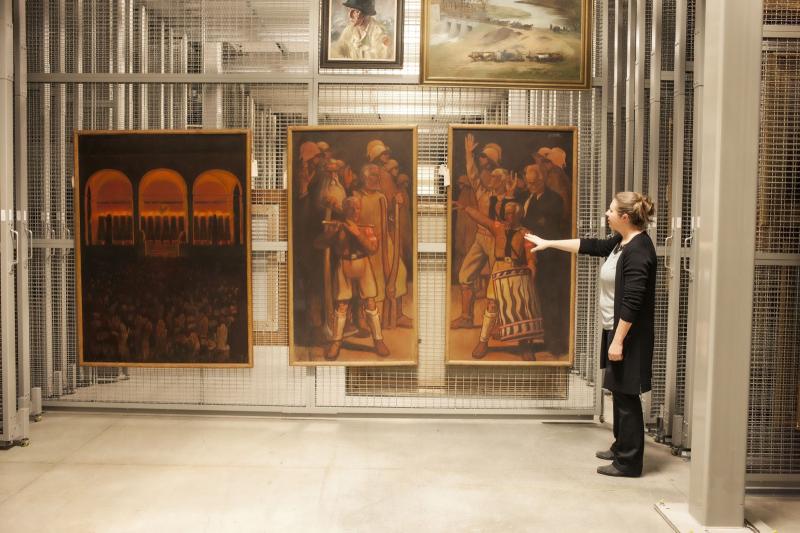 Все произведения искусства находятся под пристальным вниманием специалистов.