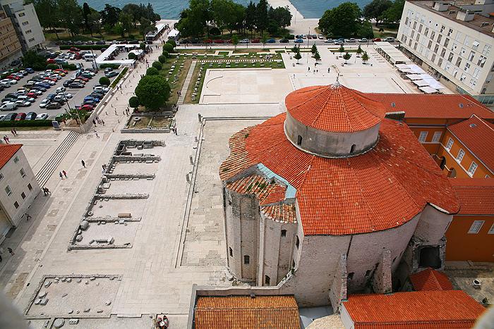Римский форум (Rimski forum) и церковь Св.Доната (Crkva Sv.Donata)