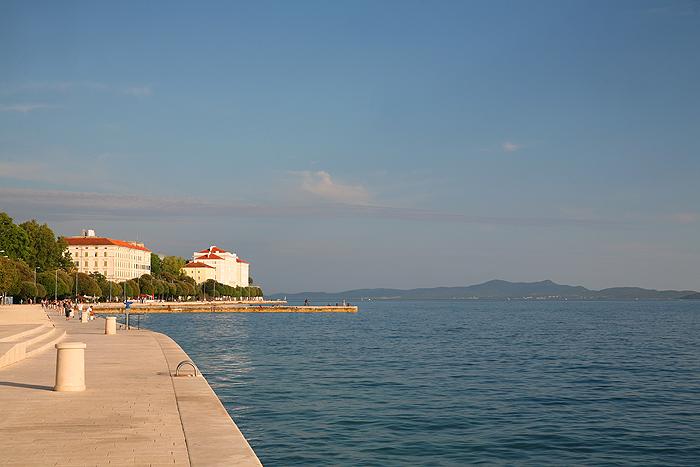 Obala kralja Petra Kresimira и Адриатическое море