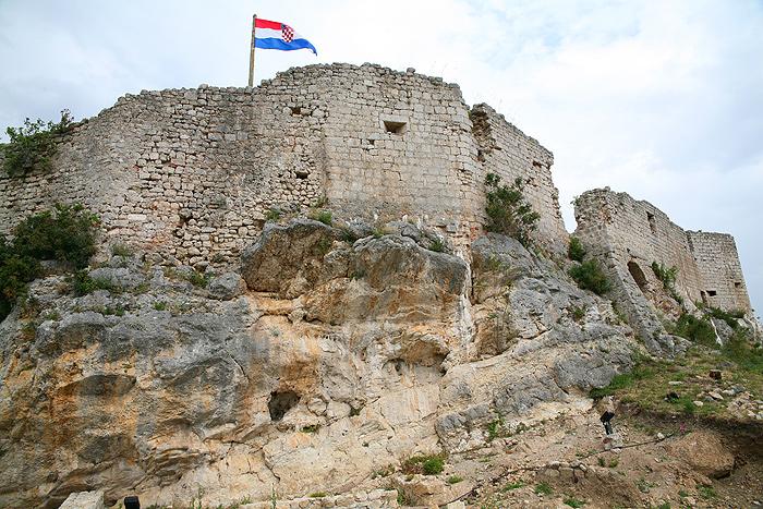 Остатки средневековой крепости в Новиграде