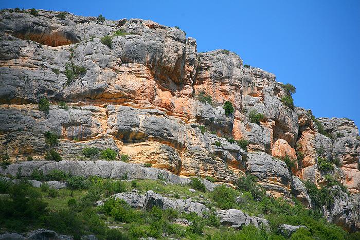 Склон каньона над водопадом Рошки