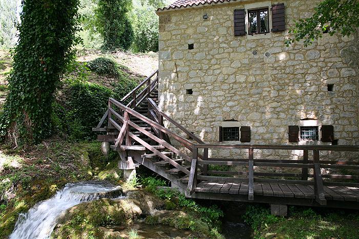 Водяные мельницы в парке Крка