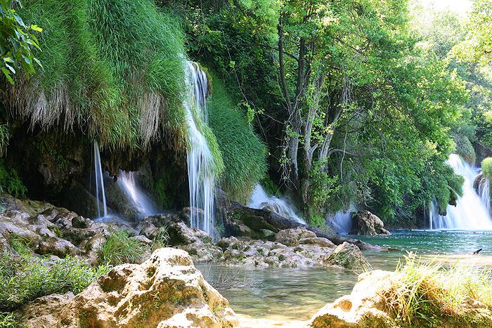 Сеть водопадов в парке Крка