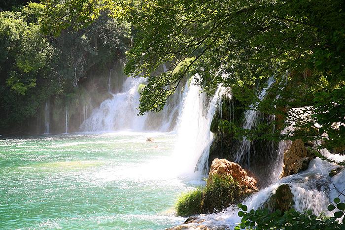 Озеро у водопада Скрадински бук