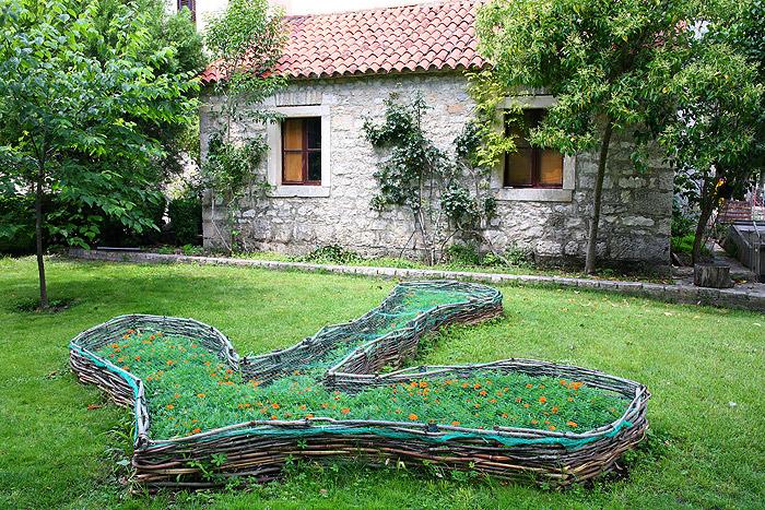 Монастырский сад Висовац