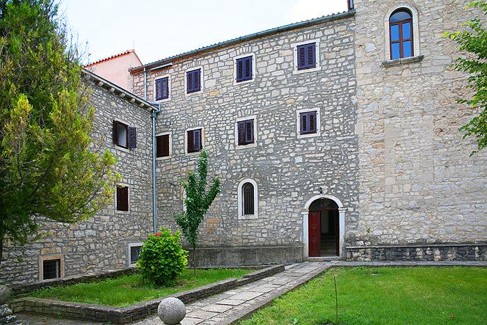Францисканский монастырь Visovac